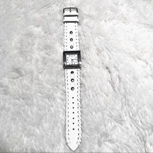 Adjustable leather watch